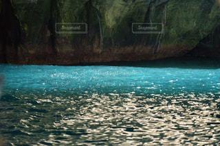 堂ヶ島のターコイズブルーの海の写真・画像素材[1808199]