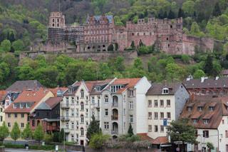 ドイツハイデルベルク城と街並みの写真・画像素材[2021561]