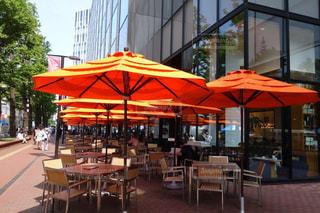 可愛いパラソルの札幌のオープンカフェの写真・画像素材[2294771]