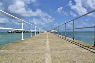 グリーン島につながる夢の架け橋の写真・画像素材[2377972]