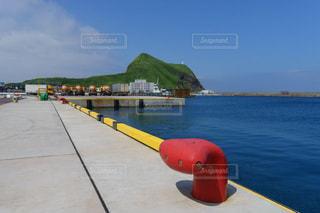 鴛泊港とペシ岬の風景の写真・画像素材[2389777]