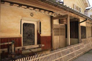 日本の歴史深い風情ある建物の写真・画像素材[2448714]
