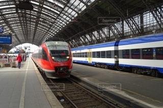 フランクフルト中央駅の列車風景の写真・画像素材[2645132]