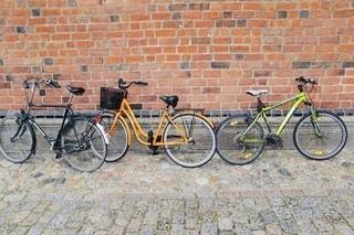 レンガと石畳と自転車の写真・画像素材[2752159]