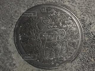 旅行先のマンホールの写真・画像素材[1780776]