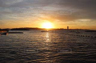 日間賀島の夕日の写真・画像素材[1458247]