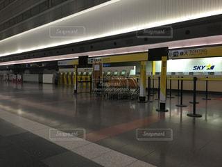 深夜の空港の写真・画像素材[1459501]