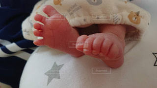 赤ちゃんの足の写真・画像素材[1711798]