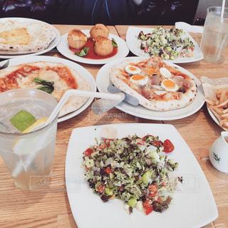 パステルでお食事の写真・画像素材[1466544]