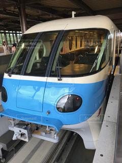 舞浜駅にある青いモノレールの写真・画像素材[1549274]
