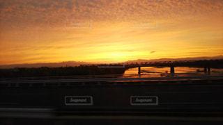 夕暮れ時の都市の景色の写真・画像素材[1488941]
