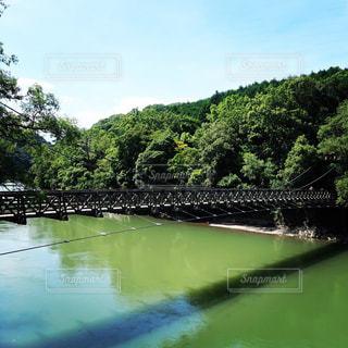 水の上の橋の写真・画像素材[1469839]