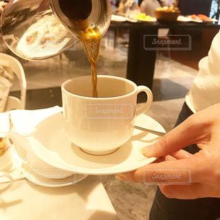 コーヒーを注ぐの写真・画像素材[1491210]