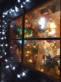 クリスマスの窓の写真・画像素材[1690897]