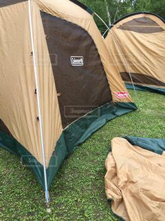 キャンプ準備中の写真・画像素材[2255835]