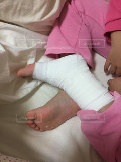 怪我をしている人の写真・画像素材[2792327]