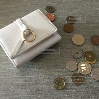 財布とコインの写真・画像素材[3164378]