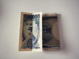 千円札で百万円の写真・画像素材[4167119]