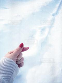 冬の指ハートの写真・画像素材[4205420]