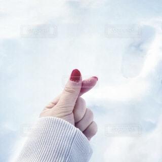 冬の指ハートの写真・画像素材[4205432]