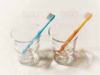 歯ブラシとコップの写真・画像素材[4245261]