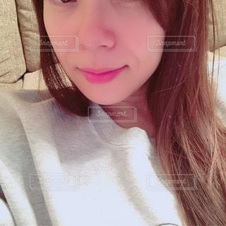 selfie を取る女性の写真・画像素材[1656741]