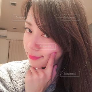 クローズ アップ撮影、selfie ピンクの髪を持つ女性のの写真・画像素材[1684942]