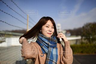 携帯電話で話している人の写真・画像素材[2923060]