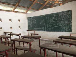 黒板のある教室の写真・画像素材[1473513]