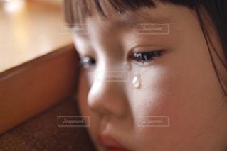 涙の女の子の写真・画像素材[1475724]