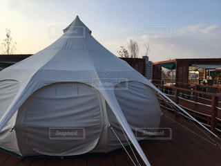グランピングのテントの写真・画像素材[1616453]