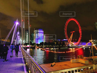 ロンドンアイ、夜のライトアップの写真・画像素材[1479514]