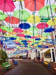 ハウステンボスのカラフルな傘の写真・画像素材[2113645]