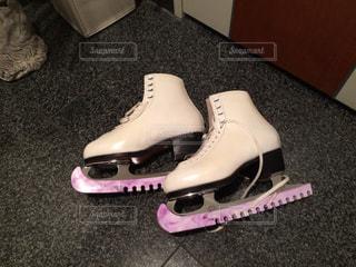 スケート靴のペアの写真・画像素材[1490445]
