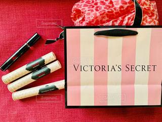 ヴィクトリアシークレットの香水の写真・画像素材[1777969]