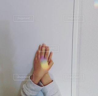 サンキャッチャーの七色の光の写真・画像素材[1484981]