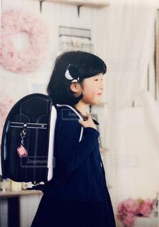 ランドセルを背負う女の子の写真・画像素材[1506514]