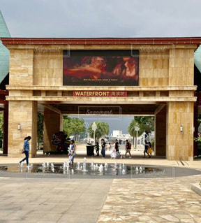 シンガポールの大きなレンガの建物の写真・画像素材[1531883]