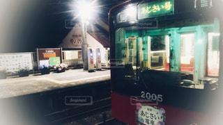 2018年箱根登山鉄道の予約制の夜のあじさい電車の写真・画像素材[1578890]