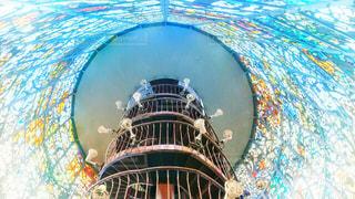 ステンドグラスの塔内部の写真・画像素材[1583249]