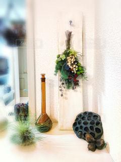 野花のスワッグとエアプランツの写真・画像素材[1591082]