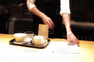 カフェにて男性とコーヒーの写真・画像素材[1775152]