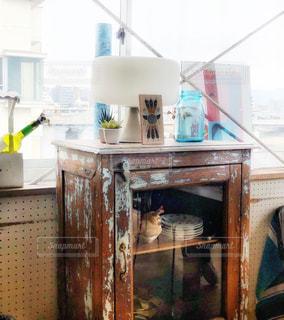 カフェ店内の窓辺の写真・画像素材[1783574]