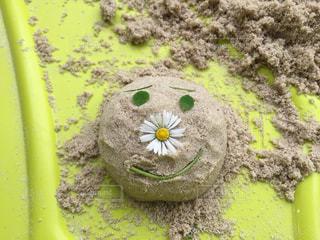 砂遊びで作ったアンパンマンの写真・画像素材[1488555]