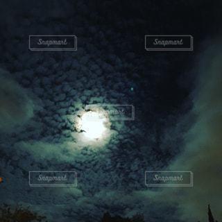夜空 月の写真・画像素材[1487538]