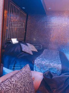 青い背景の寝室の写真・画像素材[1648053]