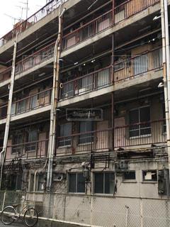 廃墟アパート(稼働の写真・画像素材[1488447]