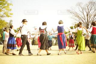 衣装を着て人々 のグループの写真・画像素材[1101924]