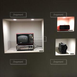 テレビを壁にマウントされています。の写真・画像素材[1101958]