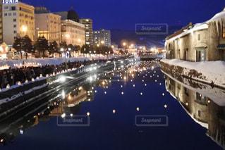 夜の街の景色の写真・画像素材[1503811]